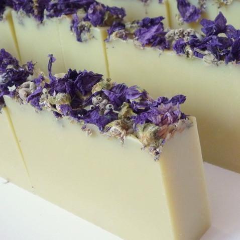 Dvojitá levandule - přírodní mýdlo 100g