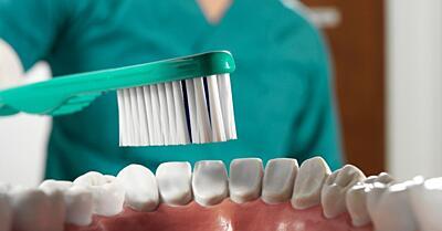 Správna starostlivosť o zuby - 10 častých mýtov